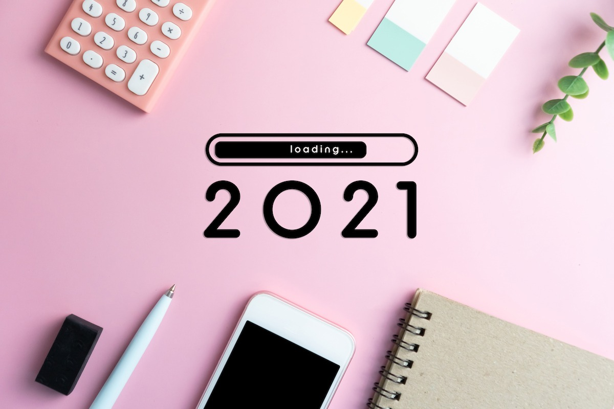 2021 career conversation strategy - desk with 2021 loading and stationary